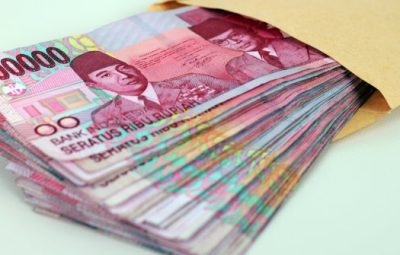 uang-pecahan-seratus-ribu-rupiah-berita-kota-metro