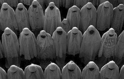 Ribuan Masyarakat aceh memenuhi mesjid-mesjid untuk melaksanakan shalat idul fitri 1427 H.