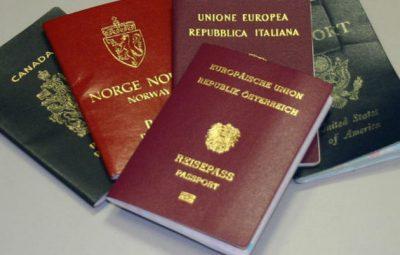 mengapa-paspor-dibuat-hanya-dalam-4-warna-160304v_3x2