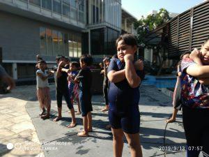 Latihan Berenang 2
